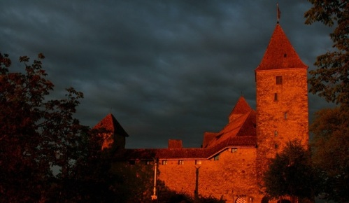 Rapperswil Castle (Schloss Rapperswil) at sunset